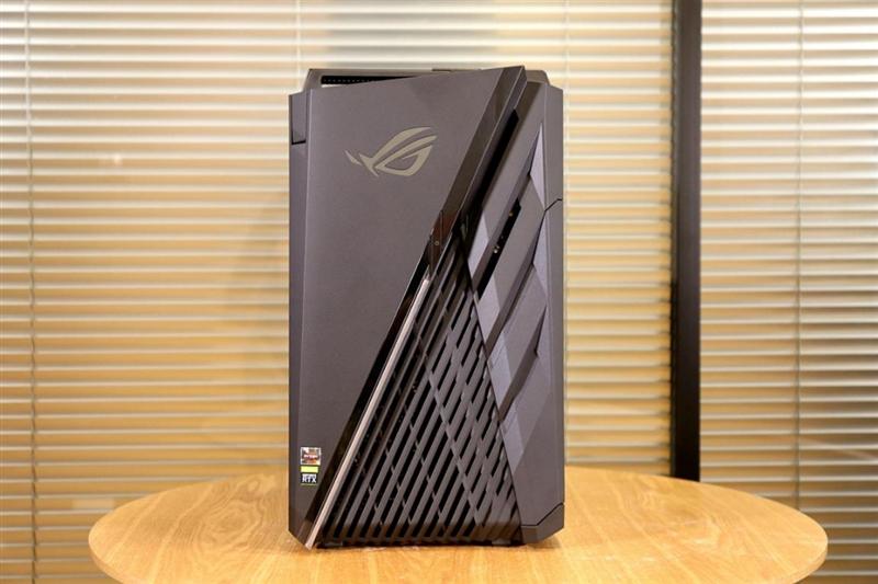 """连硬盘都是顶级的""""游戏怪兽""""!ROG光魔G35电竞主机评测"""